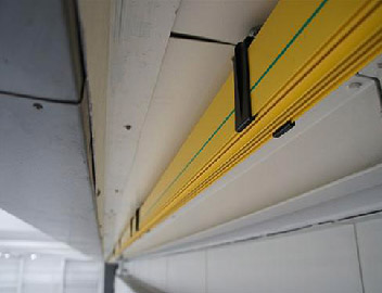 Overhead trolley duct